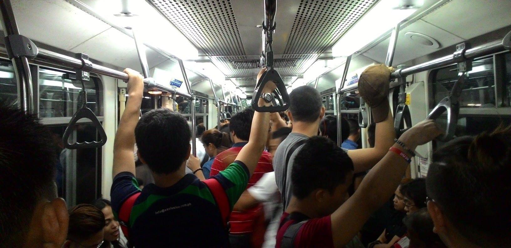 mrt-inside-photo-commuters